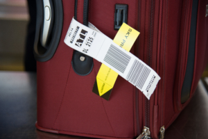 delta-airlines-baggage-luggage-traveling